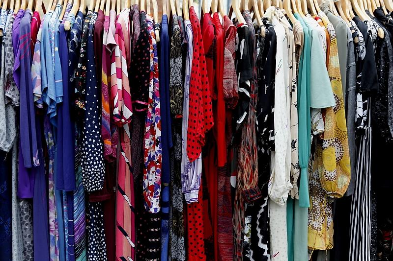 Wie und wo kann ich Kleidung in Übergrößen finden?