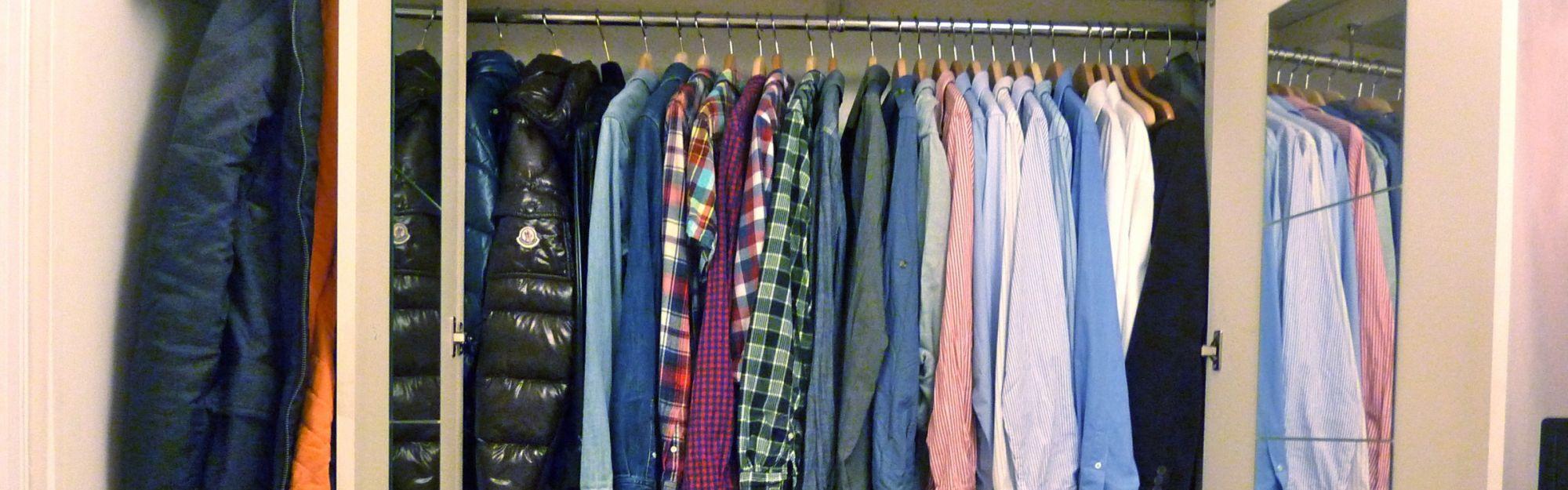 Wie kann ich Platz im Kleiderschrank schaffen?